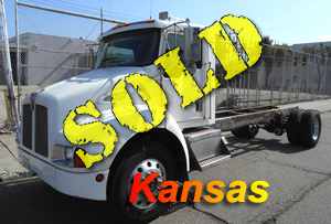 1997 KENWORTH T-300 TRACTOR ONLY