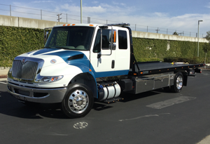 2016 INTERNATIONAL 4300 EC~CENTURY 21.6 LCG/RIGHT APPROACH