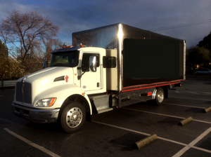 2016 KENWORTH~CENTURY 21.6 LCG/RIGHT APPROACH/RETRACTABLE CANOPY